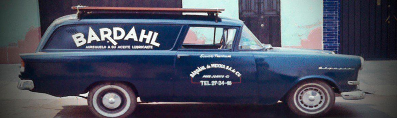 Una de las primeras camionetas de reparto de Bardahl de México