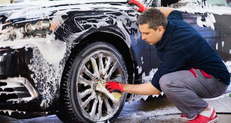 lavar encerar auto