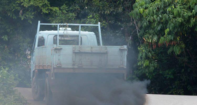 Humo Azul Camión