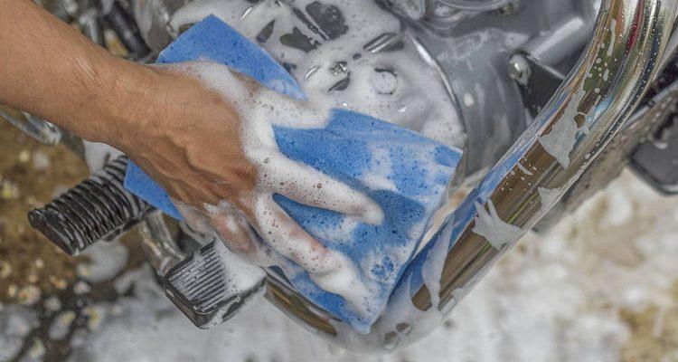 Lavar Motor Motocicleta