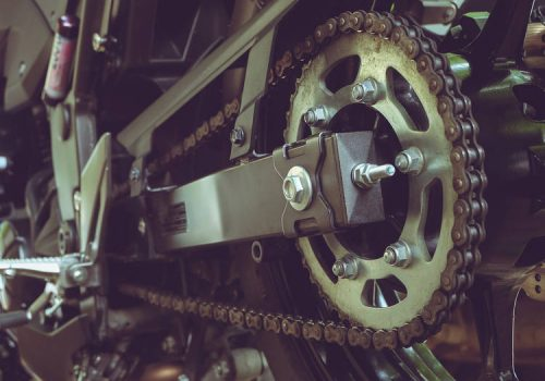 ¿Cómo Proteger la Cadena de tu Motocicleta?
