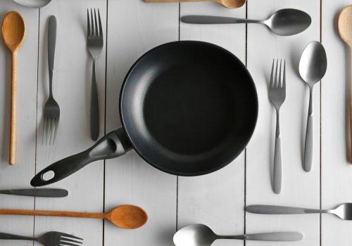 ¿Cómo limpiar y proteger los utensilios de cocina?