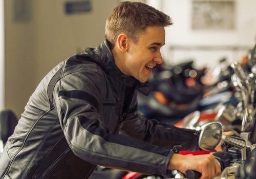 ¿Por qué utilizar aceite sintético en las motos nuevas?
