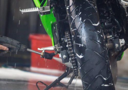Cómo lavar una motocicleta sin dañarla