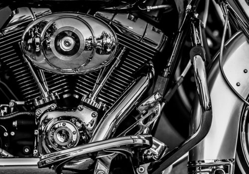 ¿Cómo se enfría una motocicleta con el aceite lubricante?