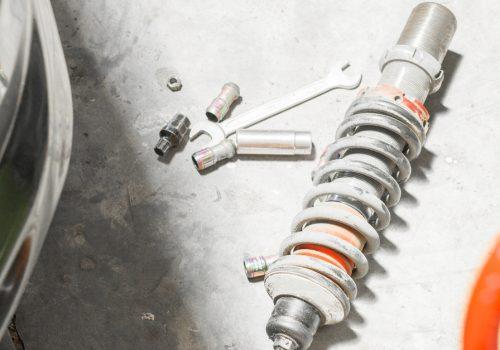 ¿Cuándo cambiar los amortiguadores del auto?