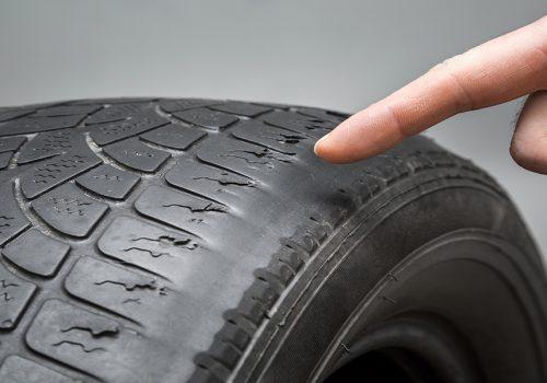 ¿Cuándo Debo Cambiar o Rotar las Llantas de mi Auto?