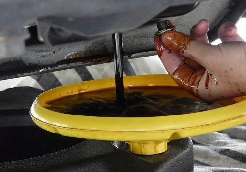 ¿Qué Pasa si Cambias el Aceite Lubricante de tu Camión?